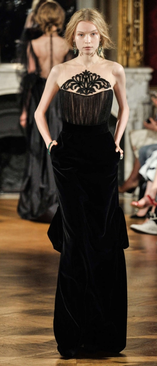 Yulia Yanina Fall-Winter 2014-15 Couture - Black velvet evening dress decorated with embroidered muslin interline